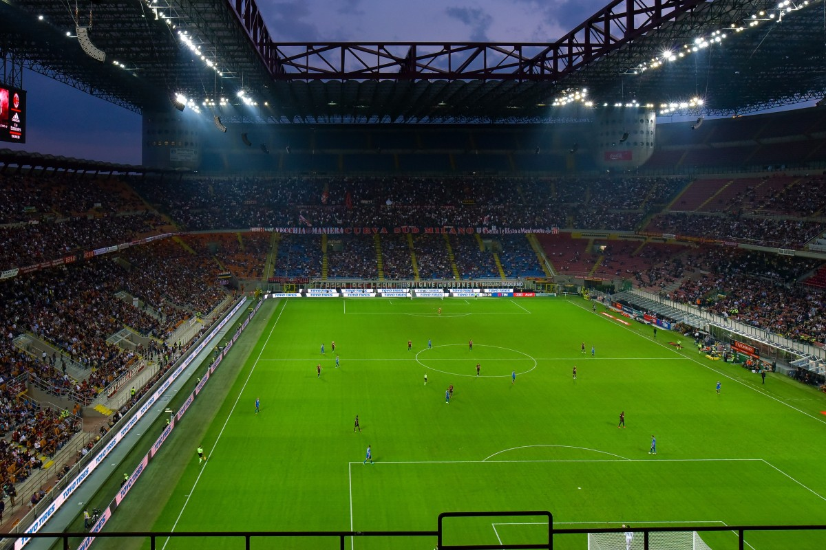 san_siro_flood_light_football_match_football_stadium_fans_tifoso_milan-1204636